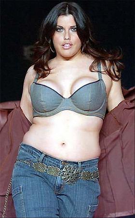 Pus-size model Mia Tyler.